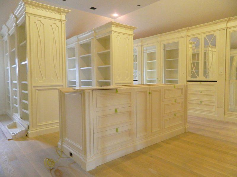 27 closet 001